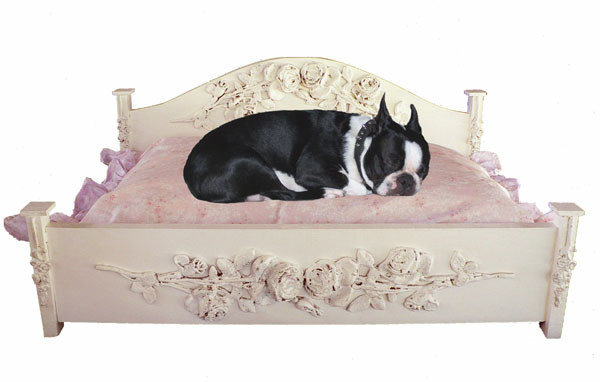 Jewel Pet Bed  w/Lg. Roses (Large)